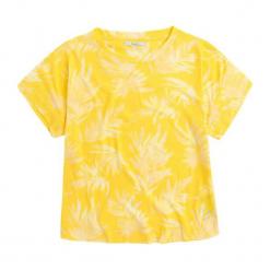T-shirt w kolorze żółtym ze wzorem. Żółte t-shirty damskie Pepe Jeans, z okrągłym kołnierzem. W wyprzedaży za 84.95 zł.
