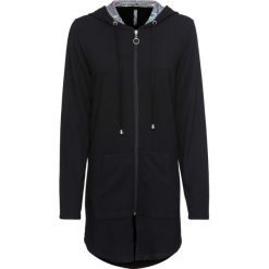 Długa bluza z kapturem bonprix czarny. Czarne bluzy damskie bonprix, w kolorowe wzory. Za 99.99 zł.