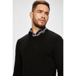 Jack & Jones - Sweter. Szare swetry przez głowę męskie Jack & Jones, z bawełny. W wyprzedaży za 69.90 zł.