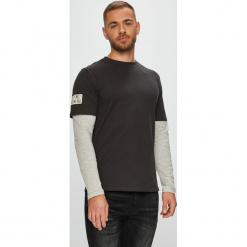 Only & Sons - Longsleeve. Czarne bluzki z długim rękawem męskie Only & Sons, z bawełny, z okrągłym kołnierzem. W wyprzedaży za 69.90 zł.