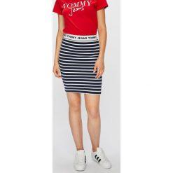Tommy Jeans - Spódnica. Spódnice damskie marki Tommy Jeans. W wyprzedaży za 219.90 zł.