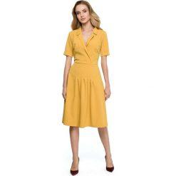 Żółta Elegancka Sukienka z Kopertowym Kołnierzem. Żółte sukienki damskie Molly.pl, eleganckie, z kopertowym dekoltem, z krótkim rękawem. Za 135.90 zł.