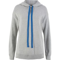 Sweter dzianinowy z kapturem bonprix jasnoszary melanż. Swetry damskie marki bonprix. Za 59.99 zł.