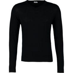 Filippa K Sweter black. Swetry przez głowę męskie Filippa K, z materiału. Za 649.00 zł.
