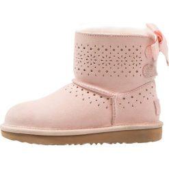 UGG DAE SUNSHINE Śniegowce baby pink. Buty zimowe dziewczęce UGG, z materiału. Za 719.00 zł.