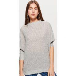 Sweter z kimonowym rękawem - Jasny szary. Szare swetry damskie Cropp. Za 69.99 zł.