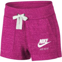 Nike Krótkie Spodenki Damskie W Nsw Gym Vntg Short/Watermelon/Sail M. Różowe szorty damskie Nike, z bawełny. Za 119.00 zł.