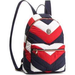 Plecak TOMMY HILFIGER - Poppy Backpack Chevr AW0AW05844 901. Plecaki damskie marki QUECHUA. W wyprzedaży za 379.00 zł.