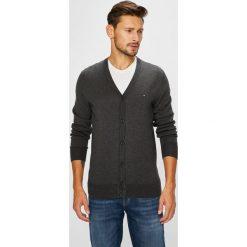 Tommy Hilfiger - Sweter. Kardigany męskie marki bonprix. W wyprzedaży za 399.90 zł.