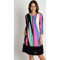 Trapezowa sukienka z rękawem 3/4 BIALCON. Czarne sukienki damskie BIALCON, na lato. W wyprzedaży za 206.00 zł.