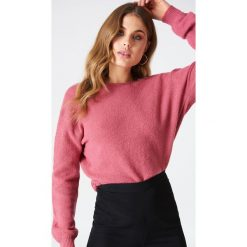 NA-KD Trend Dzianinowy sweter z kopertowym tyłem - Purple. Fioletowe swetry damskie NA-KD Trend, z dzianiny, z kopertowym dekoltem. Za 121.95 zł.