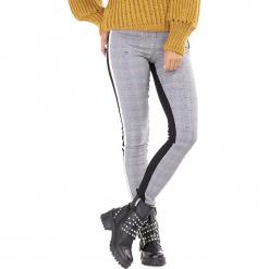 Spodnie w kolorze szaro-czarnym ze wzorem. Białe spodnie materiałowe damskie Ryłko by Agnes & Paul, w kratkę. W wyprzedaży za 102.95 zł.