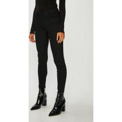 Guess Jeans - Spodnie Anette. Szare jeansy damskie Guess Jeans. Za 459.90 zł.