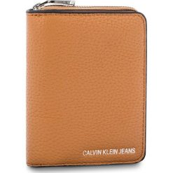 Mały Portfel Damski CALVIN KLEIN JEANS - Ultra Light French W K40K400699 240. Brązowe portfele damskie Calvin Klein Jeans, z jeansu. Za 279.00 zł.
