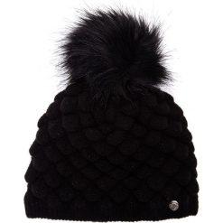 Czarna marszczona czapka z pomponem QUIOSQUE. Czarne czapki i kapelusze damskie QUIOSQUE, z dzianiny. Za 79.99 zł.