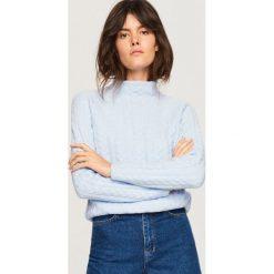 Sweter ze stójką - Niebieski. Niebieskie swetry damskie Reserved, ze stójką. Za 119.99 zł.