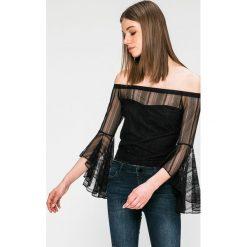 Guess Jeans - Bluzka. Szare bluzki damskie Guess Jeans, z aplikacjami, z dzianiny, casualowe, z asymetrycznym kołnierzem. W wyprzedaży za 229.90 zł.