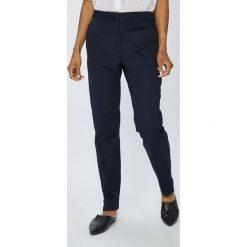 Vero Moda - Spodnie. Spodnie materiałowe damskie Vero Moda, z haftami, z bawełny. W wyprzedaży za 79.90 zł.