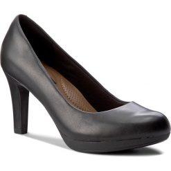 Półbuty CLARKS - Adriel Viola 261293594 Black Leather. Czarne półbuty damskie Clarks, z materiału. W wyprzedaży za 229.00 zł.