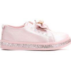 Różowe Slip On Moving. Czerwone buty sportowe dziewczęce Born2be, na jesień, z materiału. Za 49.99 zł.