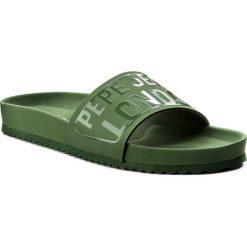 Klapki PEPE JEANS - Bio Royal Block M PMS90052 Military Olive 741. Zielone klapki damskie Pepe Jeans, z jeansu. W wyprzedaży za 149.00 zł.