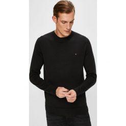 Tommy Hilfiger - Sweter. Czarne swetry przez głowę męskie Tommy Hilfiger, z bawełny, z okrągłym kołnierzem. Za 399.90 zł.