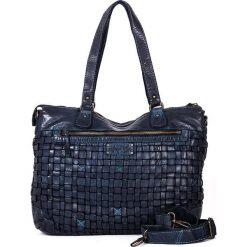 Skórzana torebka w kolorze niebieskim - 38 x 29 x 15 cm. Torby na ramię damskie neropantera, w paski, ze skóry. W wyprzedaży za 478.95 zł.
