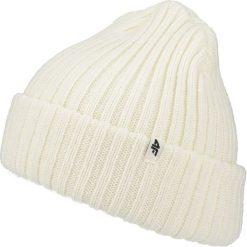 Czapka damska CAD250 - kremowy. Czapki i kapelusze damskie marki WED'ZE. W wyprzedaży za 29.99 zł.