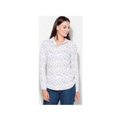 Koszula K413 Wzór 44. Szare koszule damskie Katrus, w geometryczne wzory, biznesowe, z klasycznym kołnierzykiem, z długim rękawem. Za 119.00 zł.