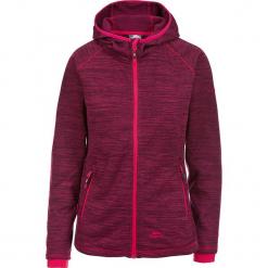 """Kurtka polarowa """"Riverstone"""" w kolorze ciemnoczerwonym. Czerwone kurtki damskie Trespass Snow Women, z polaru. W wyprzedaży za 108.95 zł."""