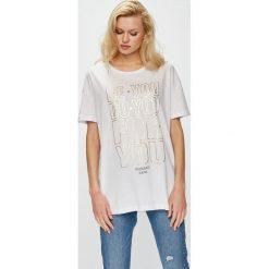 Trussardi Jeans - Top. Szare topy damskie TRUSSARDI JEANS, z nadrukiem, z bawełny, z okrągłym kołnierzem, z krótkim rękawem. W wyprzedaży za 159.90 zł.
