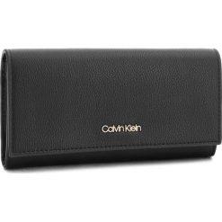 Duży Portfel Damski CALVIN KLEIN - Step Up Large Trifol K60K604342  001. Czarne portfele damskie Calvin Klein, ze skóry ekologicznej. Za 299.00 zł.