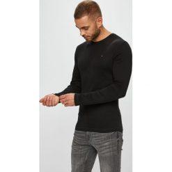 Tommy Jeans - Longsleeve. Szare bluzki z długim rękawem męskie Tommy Jeans, z bawełny, z okrągłym kołnierzem. Za 129.90 zł.