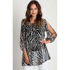 Czarno-biała bluzka z odkrytymi ramionami BIALCON. Białe bluzki damskie BIALCON, wizytowe. W wyprzedaży za 174.00 zł.
