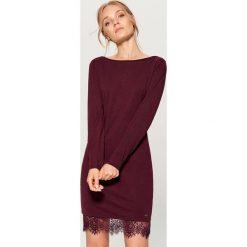 Sukienka z koronką - Bordowy. Czerwone sukienki damskie Mohito, w koronkowe wzory, z koronki. Za 79.99 zł.