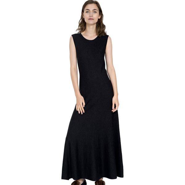 509432fcc5 Sukienka w kolorze czarnym - Czarne sukienki damskie marki Deni Cler ...