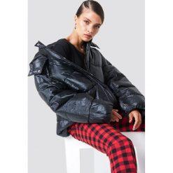 NA-KD Trend Duża watowana kurtka - Black. Czarne kurtki damskie NA-KD Trend. Za 526.95 zł.