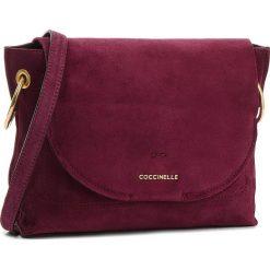 Torebka COCCINELLE - CC1 Essentielle Suede E1 CC1 15 02 01 R04. Fioletowe listonoszki damskie Coccinelle, ze skóry. W wyprzedaży za 799.00 zł.