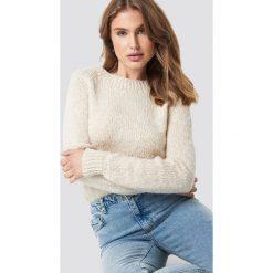 Trendyol Sweter Boucle - Beige. Brązowe swetry damskie Trendyol, z dzianiny, z okrągłym kołnierzem. Za 80.95 zł.