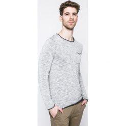 Review - Longsleeve. Szare bluzki z długim rękawem męskie Review, z bawełny, z okrągłym kołnierzem. W wyprzedaży za 59.90 zł.