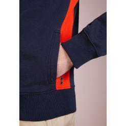 Ron Dorff SIDE STRIPES ZIPPED  Bluza rozpinana navy/shock orange. Kardigany męskie Ron Dorff, z bawełny. Za 739.00 zł.