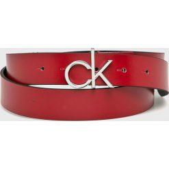 Calvin Klein - Pasek. Czerwone paski damskie Calvin Klein, w paski, ze skóry. Za 229.90 zł.