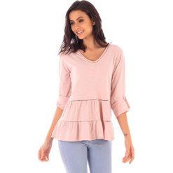 Koszulka w kolorze jasnoróżowym. Bluzki damskie fille de Coton, z bawełny, klasyczne. W wyprzedaży za 99.95 zł.