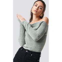 Rut&Circle Szenilowy sweter z odkrytymi ramionami - Grey. Szare swetry damskie Rut&Circle, z materiału. Za 161.95 zł.