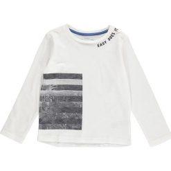 Koszulka w kolorze białym. T-shirty dla chłopców marki Reserved. W wyprzedaży za 37.95 zł.