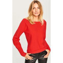 Sweter z dekoltem z tyłu - Czerwony. Czerwone swetry damskie Reserved. Za 69.99 zł.