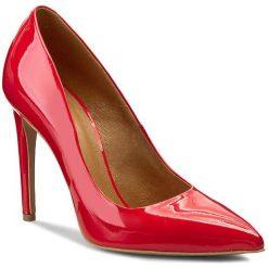 Szpilki GINO ROSSI - Ingrid DCG595-P18-JE00-7100-0 Czerwony 33. Czerwone szpilki damskie Gino Rossi, z lakierowanej skóry. W wyprzedaży za 239.00 zł.