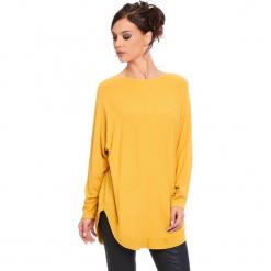 """Sweter """"Fiona"""" w kolorze musztardowym. Żółte swetry damskie Cosy Winter, ze splotem, z okrągłym kołnierzem. W wyprzedaży za 181.95 zł."""