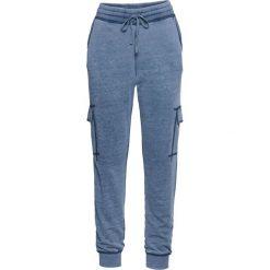 """Spodnie dresowe """"used look"""" bonprix niebieski dżins """"oil wash"""". Niebieskie jeansy damskie bonprix. Za 99.99 zł."""