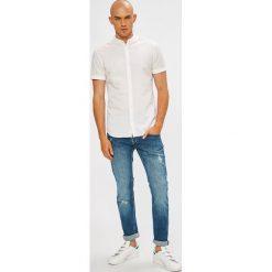 Guess Jeans - Jeansy Vermont. Niebieskie jeansy męskie Guess Jeans. W wyprzedaży za 339.90 zł.